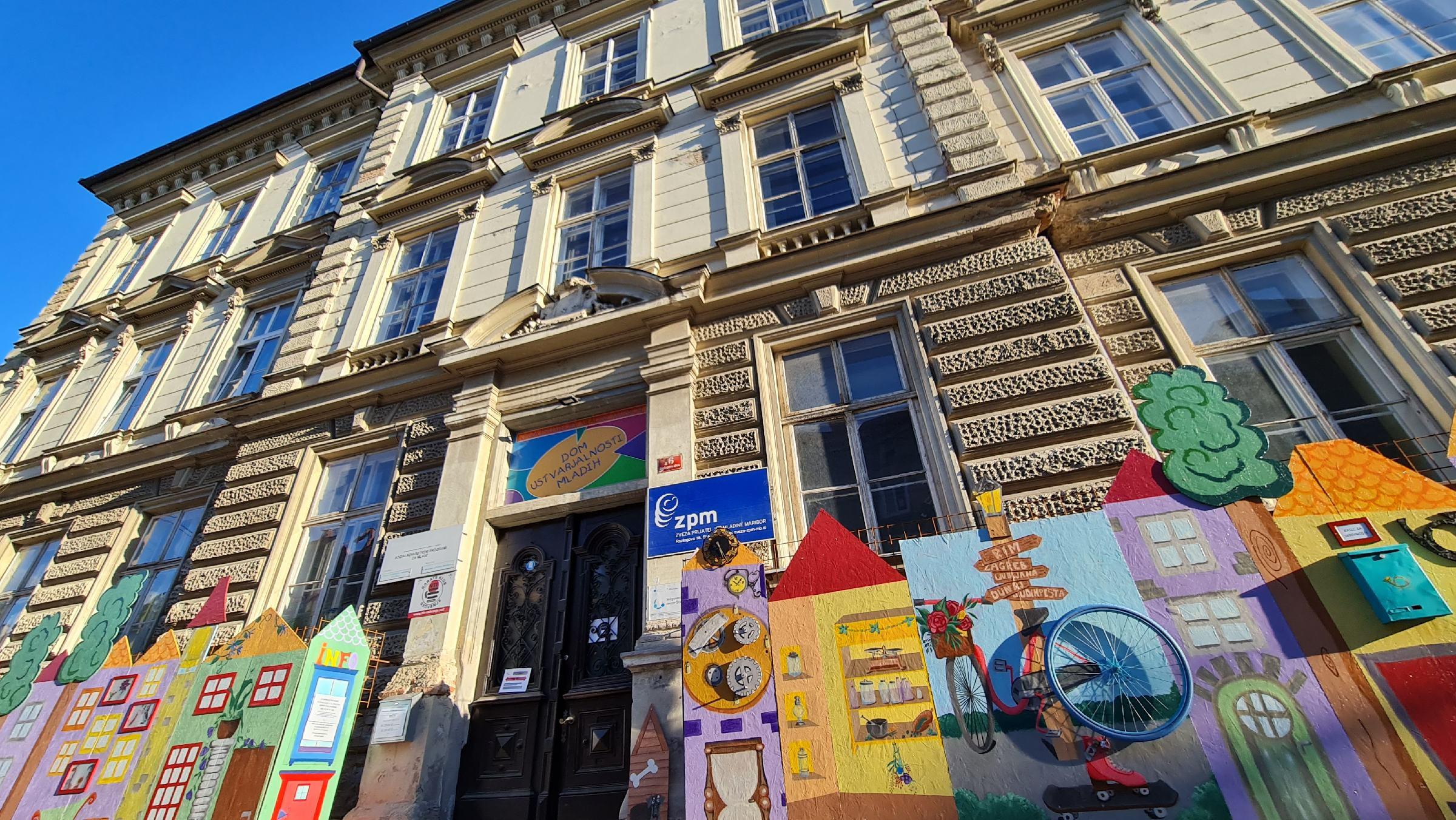Dom ustvarjalnosti mladih (DUM) Maribor