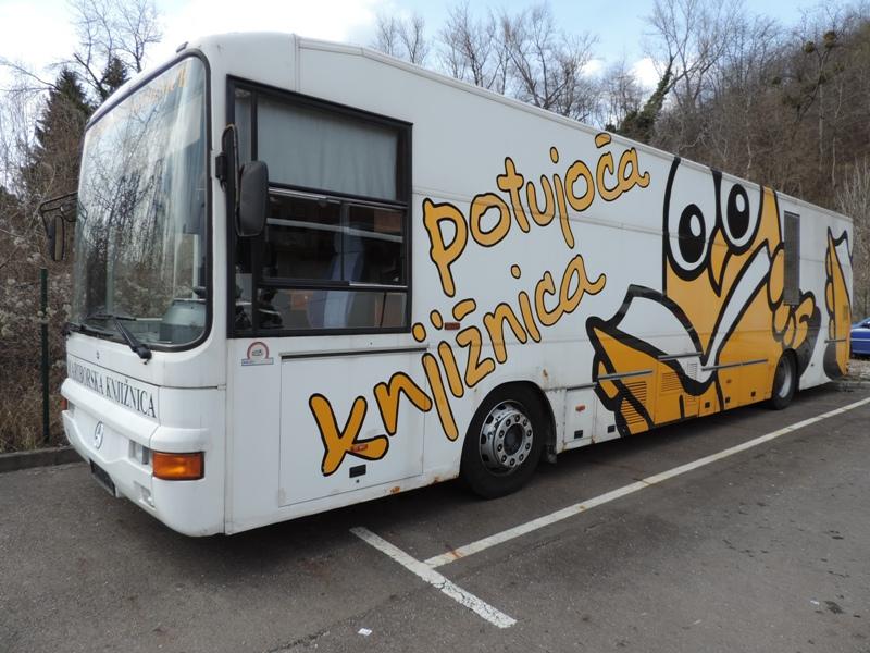 Naveza in Leteči avtobus