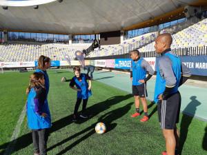 ŽogaZbližuje – trening z nogometaši NK Maribor